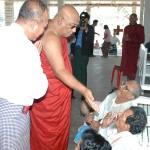Sayadaw&patients2